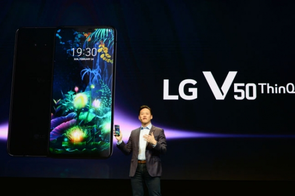 [Newsmaker] Will second screen help LG's struggling smartphone biz?