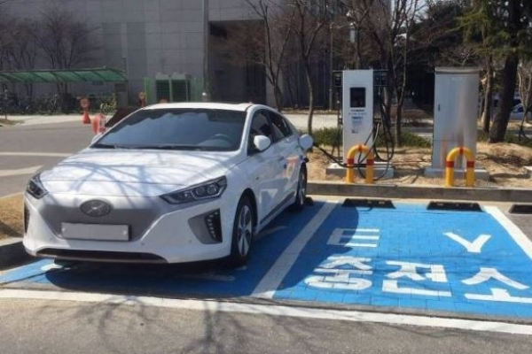 Market share of eco-friendly cars jumped to 8.2% last year