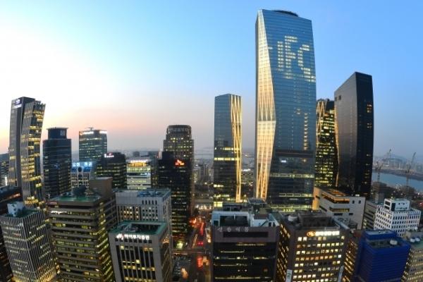 Securities firms' offline branches drop below 1,000