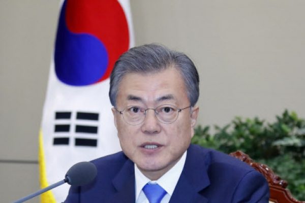Moon looks to early resumption of US-NK talks