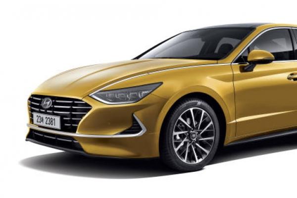 Hyundai unveils revamped Sonata with 'smart' engine
