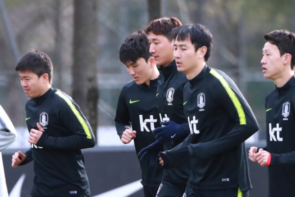 Bento to throw age out the window in selecting lineup for men's football team