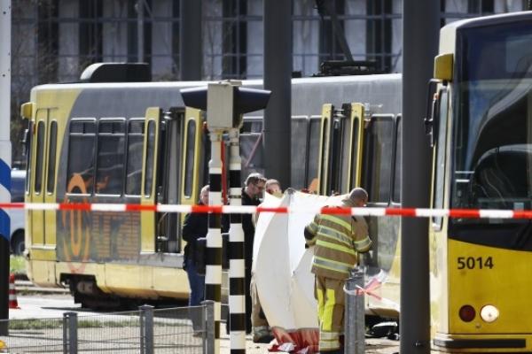 One dead in possible terror attack on Dutch tram