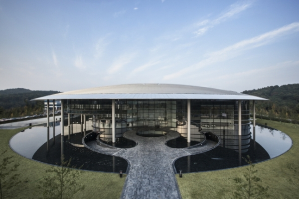 Hankook Tire strives to be global top-tier OE tire maker