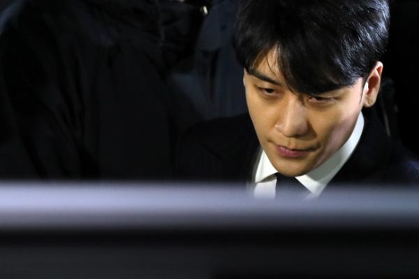 [Newsmaker] Seungri postpones military draft amid Burning Sun probe