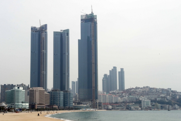 [Photo News] Second-tallest building in Korea