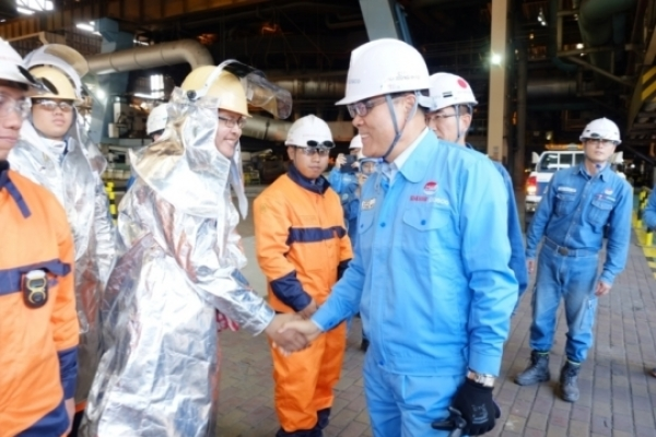Posco chairman visits plants in Southeast Asia