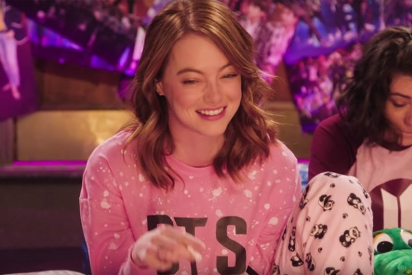 Emma Stone plays BTS fangirl in SNL teasers