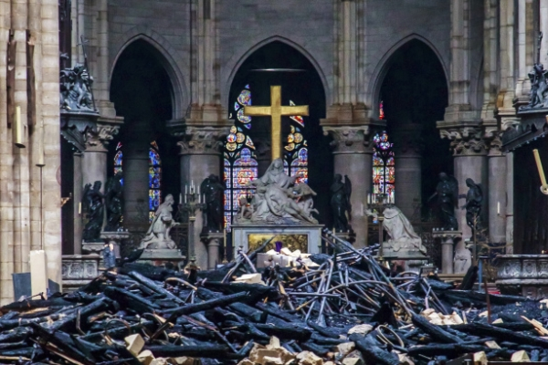 Shared grief and memories make Notre Dame a unifier online