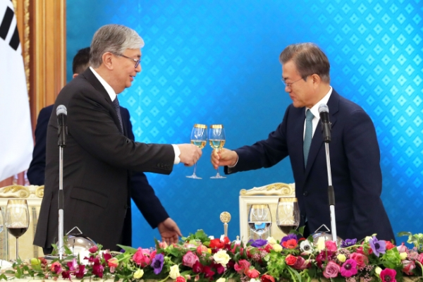 Leaders of S. Korea, Kazakhstan agree to boost ties with 'fresh' cooperation