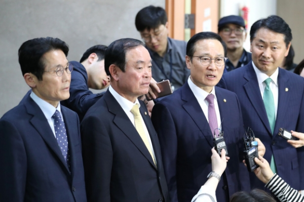 Ruling, three minor opposition parties agree to fast-track key reform bills