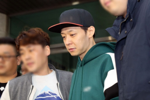 [Newsmaker] Singer Park Yoo-chun to retire from showbiz over suspected meth use