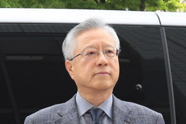 [Newsmaker] Ex-KT chairman faces arrest over alleged hiring irregularities