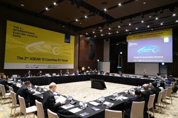 Experts urge joint efforts for ASEAN EV market formation, growth