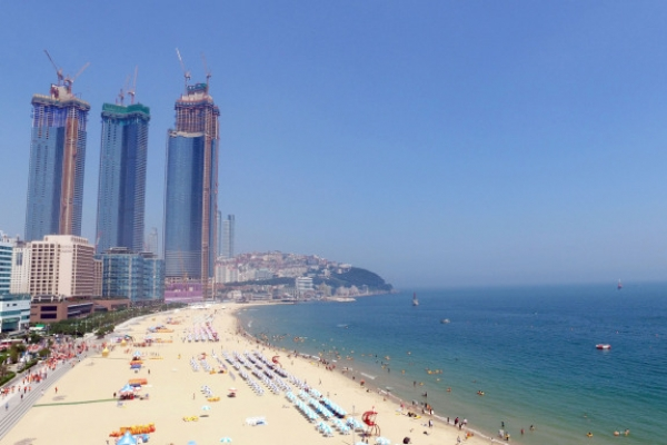 Haeundae beach to open June 1