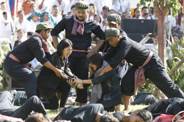 Cambodia marks genocide atrocities with Day of Remembrance