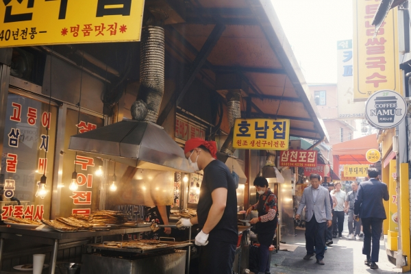 [Seoul Food Alley] Chicken stew alley with fishy vibe in Dongdaemun
