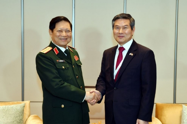 South Korea's defense chief seeks to boost defense ties with partners