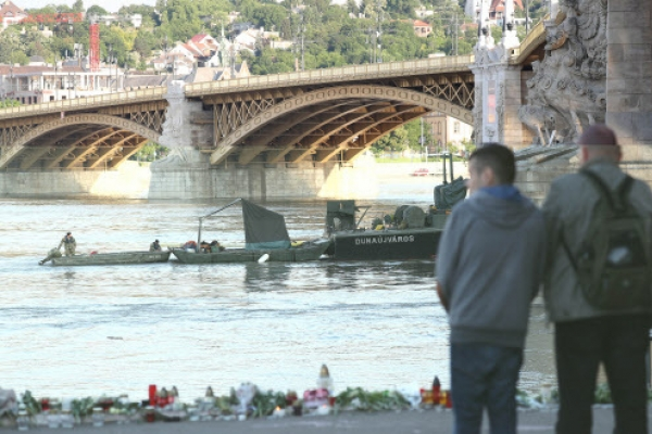 Search continues for missing victims in Hungary boat sinking