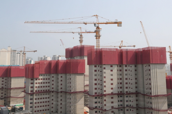 Tower crane workers end nationwide strike
