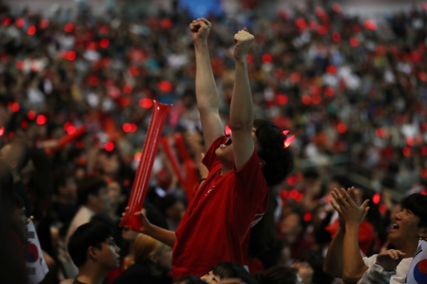 S. Koreans take to streets to cheer for U-20 World Cup final