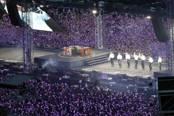 BTS captivates fans on 2nd day of Busan concerts