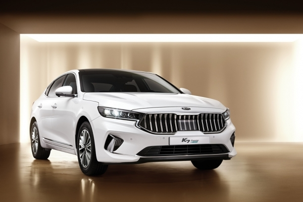 Kia launches face-lifted K7 Premier with five engine options