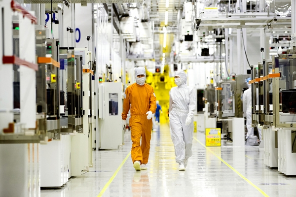 Japan's curbs aimed at containing S. Korea's semiconductor industry: report