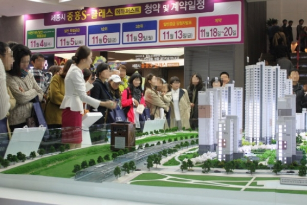 [News Focus] Seoul apartments resilient to property measures since 2017