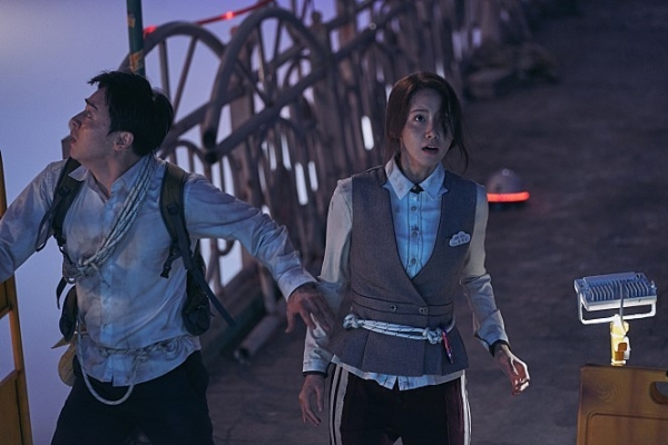 [Herald Review] Despite a few flaws, 'Exit' a fun, action-packed film with likable characters