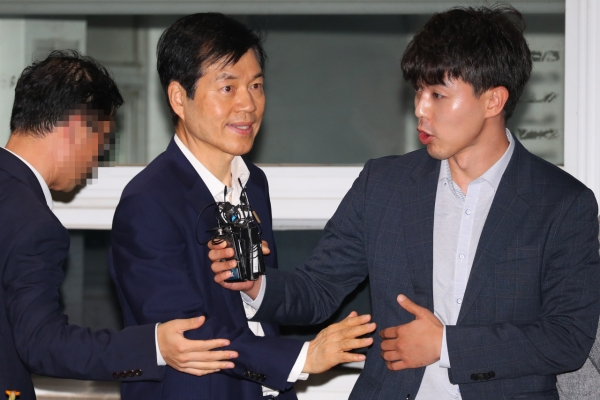 Court rejects arrest warrant for Samsung BioLogics CEO