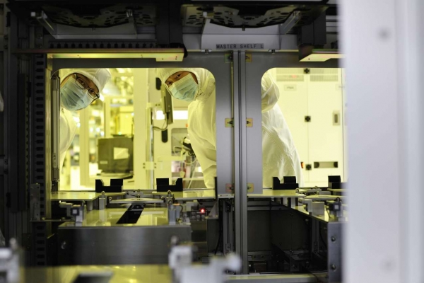 SK hynix to downsize production amid profit plunge