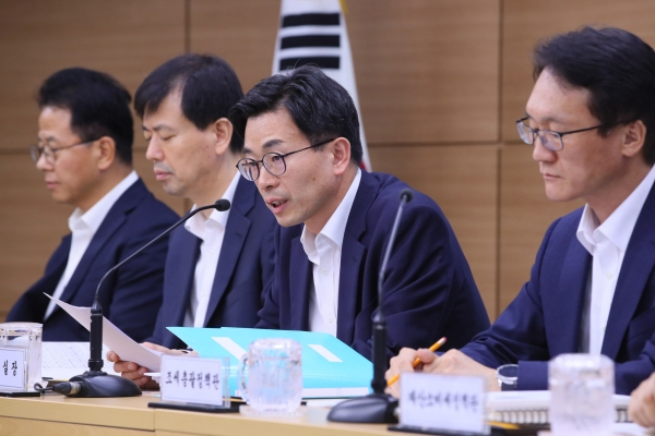 Korea to raise tax credit rate for corporate facility investments, R&D