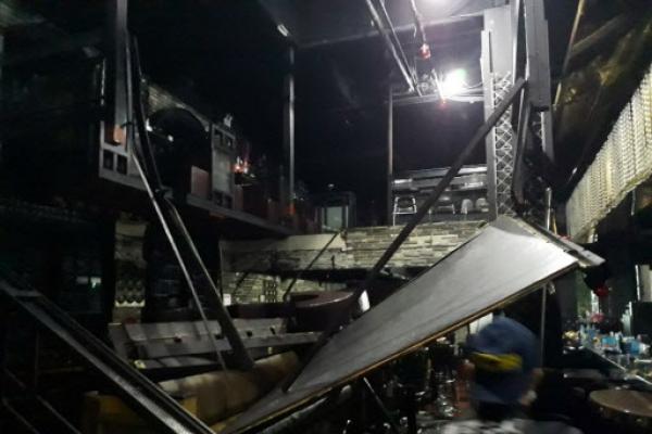 Police accelerate probe into collapse of club balcony in Gwangju