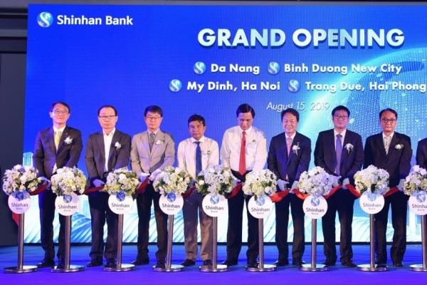 Shinhan Bank Vietnam opens branch in Da Nang
