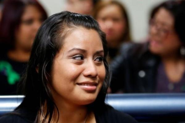 성폭행범 아기 사산한 엘살바도르 여성, 살인 혐의 벗었다