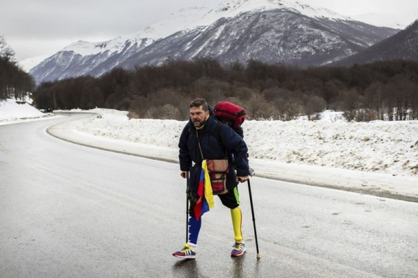 한쪽 다리로 남미 땅끝까지 1만4천㎞…베네수엘라 남성의 도전
