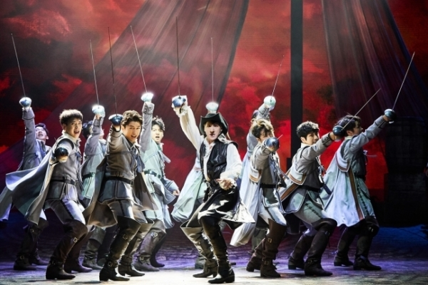 [Herald Review] 'Cyrano' returns to stage with better visuals, but loses some poetic flair