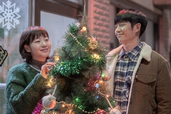 [Herald Review] 'Tune In for Love' a mediocre film with familiar tune, but has heart