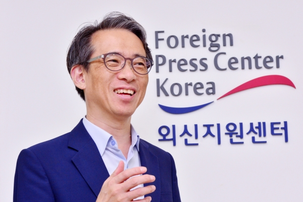 Seoul and Tokyo should contain dispute within political sphere