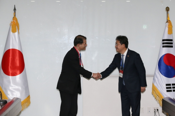 S. Korean, Japanese culture ministers seek way out of worsening diplomatic ties