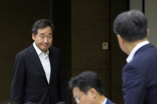 S. Korean PM to meet ex-Japanese minister to discuss diplomatic tensions