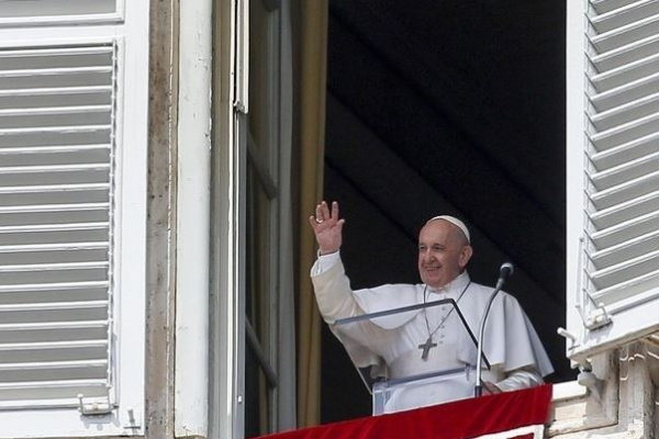 '엘리베이터에 25분이나 갇힌 교황'…삼종기도회 지각 참석
