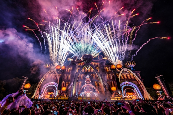 EDC Korea attracts 90,000 with creative stage designs