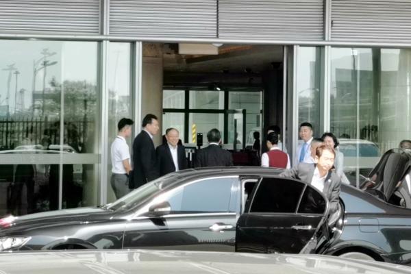 China's top diplomat departs for N. Korea