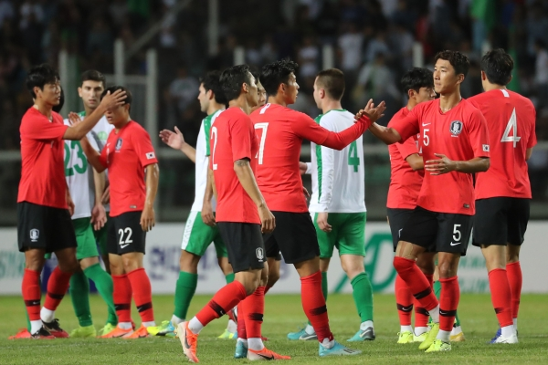 S. Korea trying to talk to NK about World Cup qualifier, weightlifting event in Pyongyang