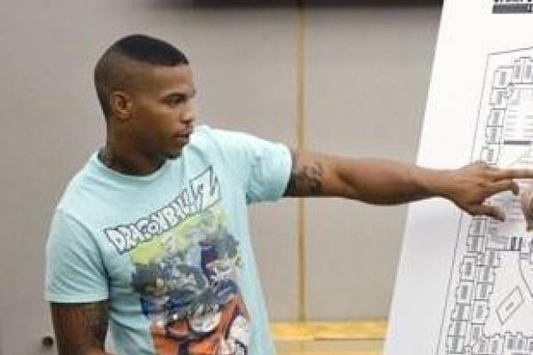 흑인이웃 오인사살한 경찰관 재판서 증언한 美20대, 총맞아 숨져