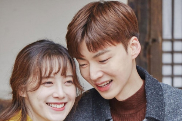 Ku Hye-sun says she will stop writing about Ahn Jae-hyun