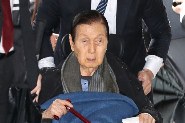 Lotte founder spared jail