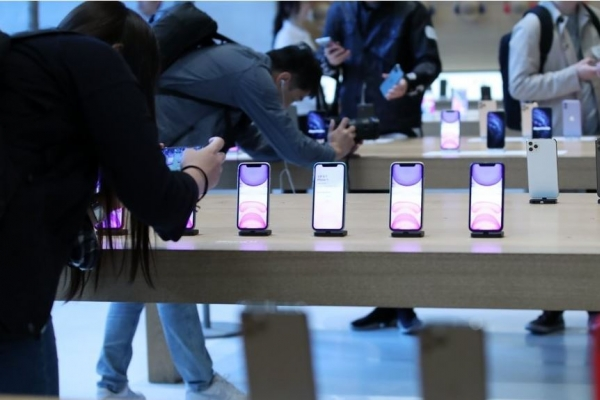 Apple launches iPhone 11 series in S. Korea